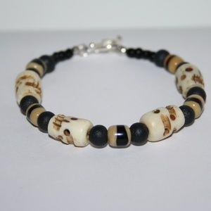 Stunning NWOT Bone tribal bracelet with toggle